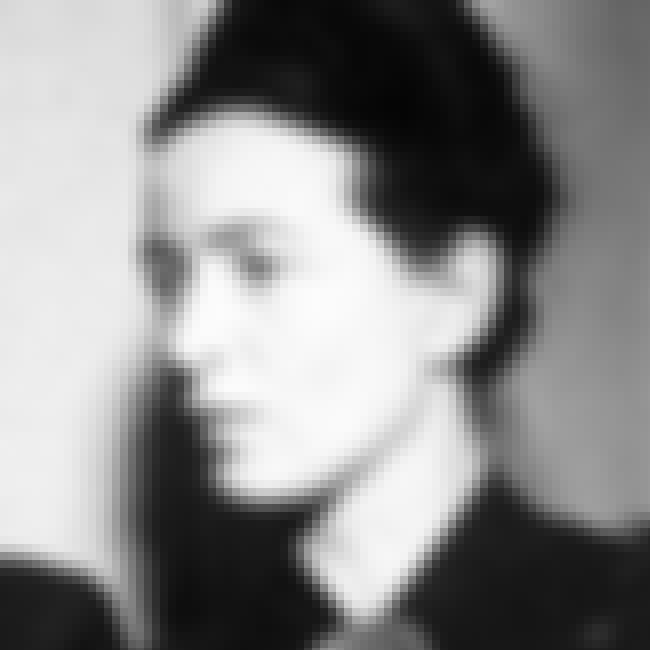 Simone de Beauvoir is listed (or ranked) 2 on the list Famous Female Philosophers