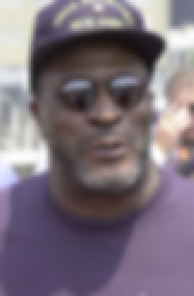 John Amos is listed (or ranked) 6 on the list List of Famous Social Workers
