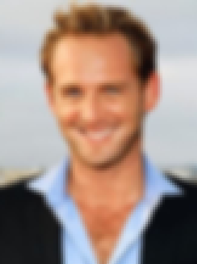 Josh Lucas is listed (or ranked) 2 on the list Salma Hayek's Loves & Hookups