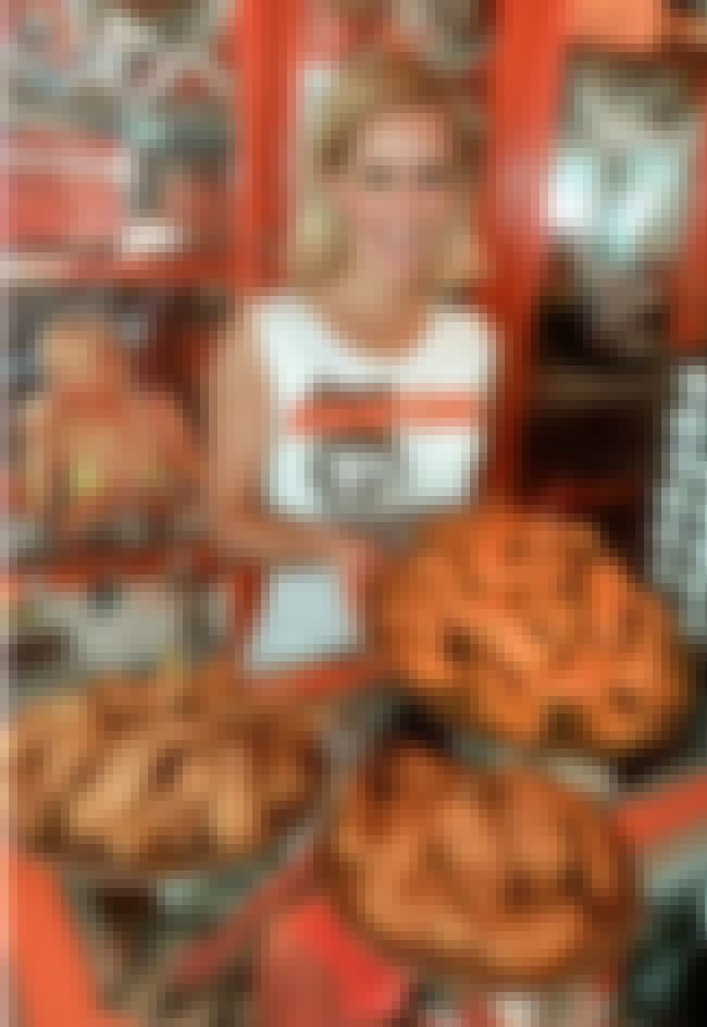 Buffalo Chicken Wings is listed (or ranked) 3 on the list The Best Hooters Recipes