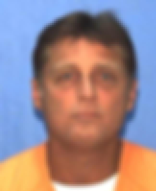glen rogers single girls One was glen edward rogers,  earned the trust of vulnerable women in their 30s with red or  glen rogers is arrested after high-speed pursuit in.