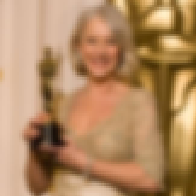 Helen Mirren is listed (or ranked) 4 on the list Oldest SNL Hosts Ever