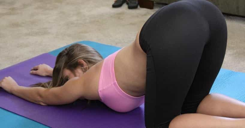 sexy girls in yoga pants mpg