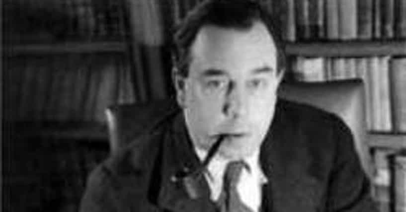 a biography of john boynton priestley an english novelist playwright and broadcaster