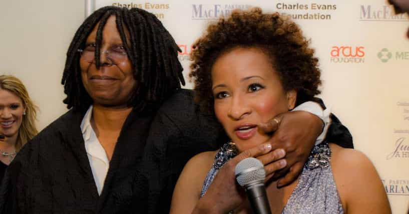 Black Female Comedians  List Of Famous Black Woman Comedians-9542