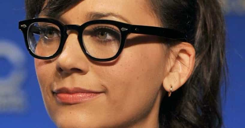 The Sexiest Famous Girls Who Wear Glasses-9985