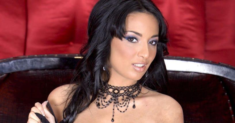 porn star with triple h boobs