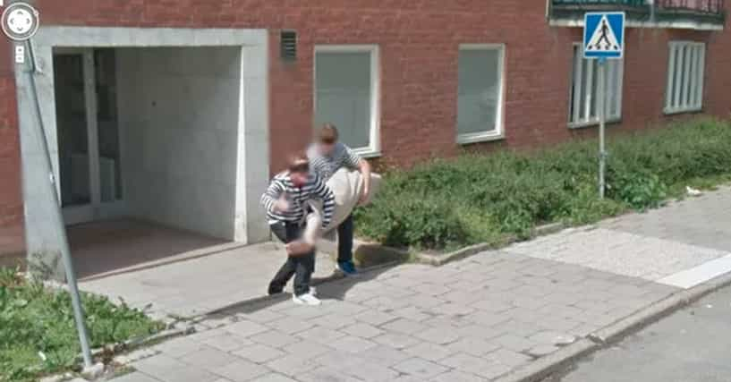 Google Easter Eggs List >> 22 Embarrassing Moments Caught On Google Street View
