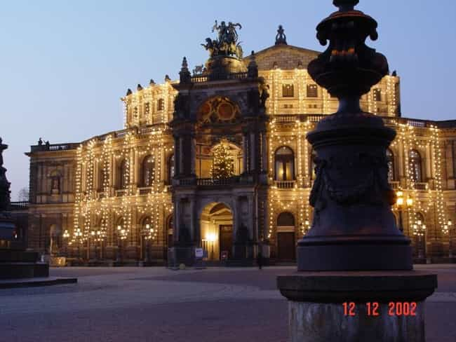 Semperoper, Dresden is listed (or ranked) 6 on the list Famous Corinthian order buildings