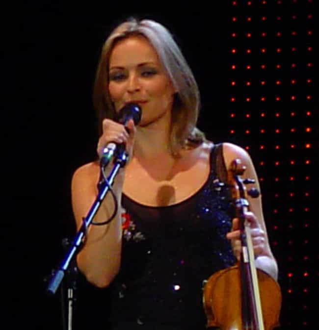 Sharon Corr is listed (or ranked) 4 on the list Famous Female Fiddlers