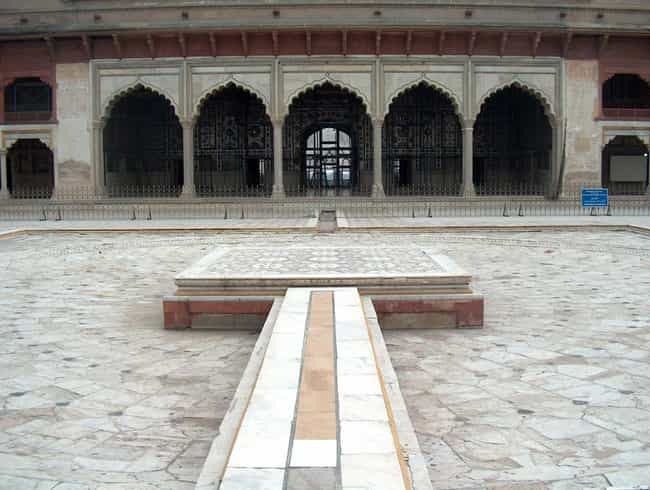 Sheesh Mahal is listed (or ranked) 8 on the list Famous Mughal architecture buildings
