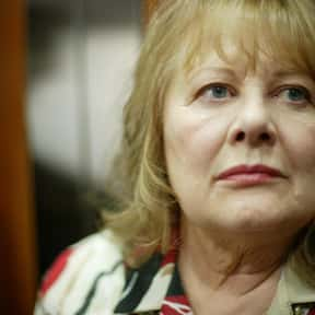 Shirley Knight is listed (or ranked) 6 on the list Famous People Whose Last Name Is Knight