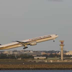 Singapore Airlines is listed (or ranked) 21 on the list List of Melbourne Airport Airlines