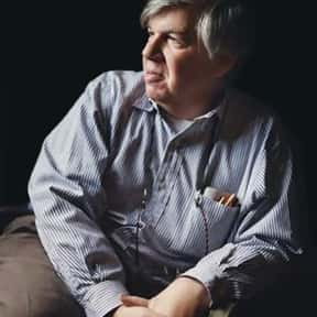 Stephen Jay Gould is listed (or ranked) 4 on the list List of Famous Biologists