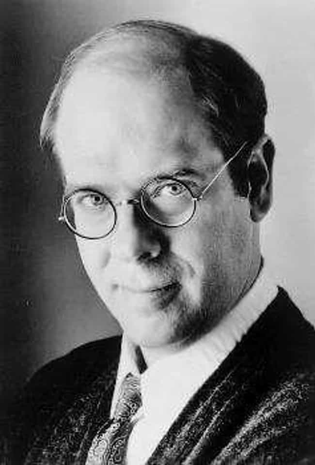 Stephen Tobolowsky is listed (or ranked) 2 on the list Famous Justin F. Kimball High School Alumni