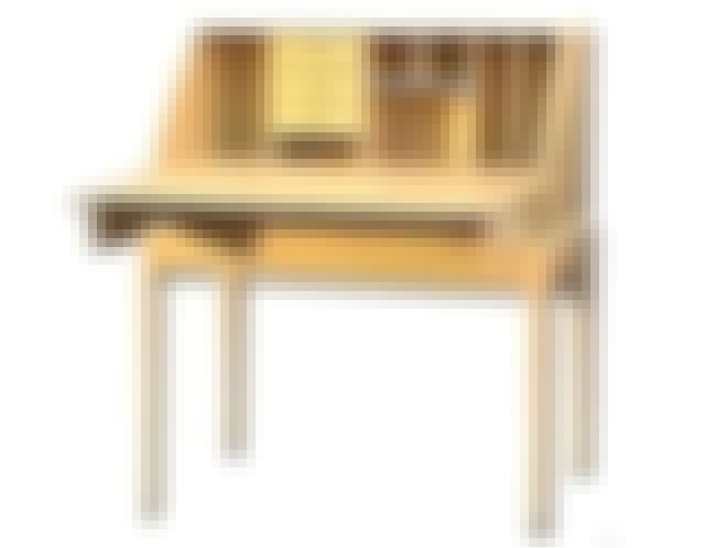 Writing Desk is listed (or ranked) 8 on the list Full List of The New Yankee Workshop Episodes
