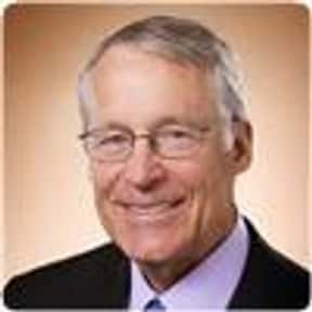S. Robson Walton is listed (or ranked) 4 on the list Famous University Of Arkansas Alumni