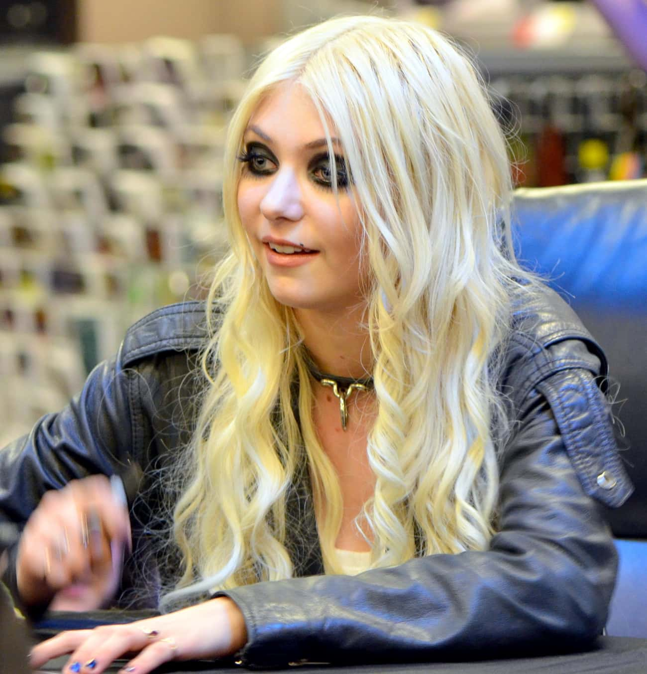 Taylor Momsen is listed (or ranked) 4 on the list Famous People Born in 1993