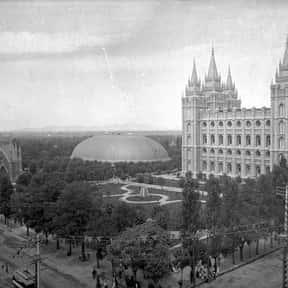 Temple Square is listed (or ranked) 12 on the list The Best Of The Most Visited Tourist Destinations in America