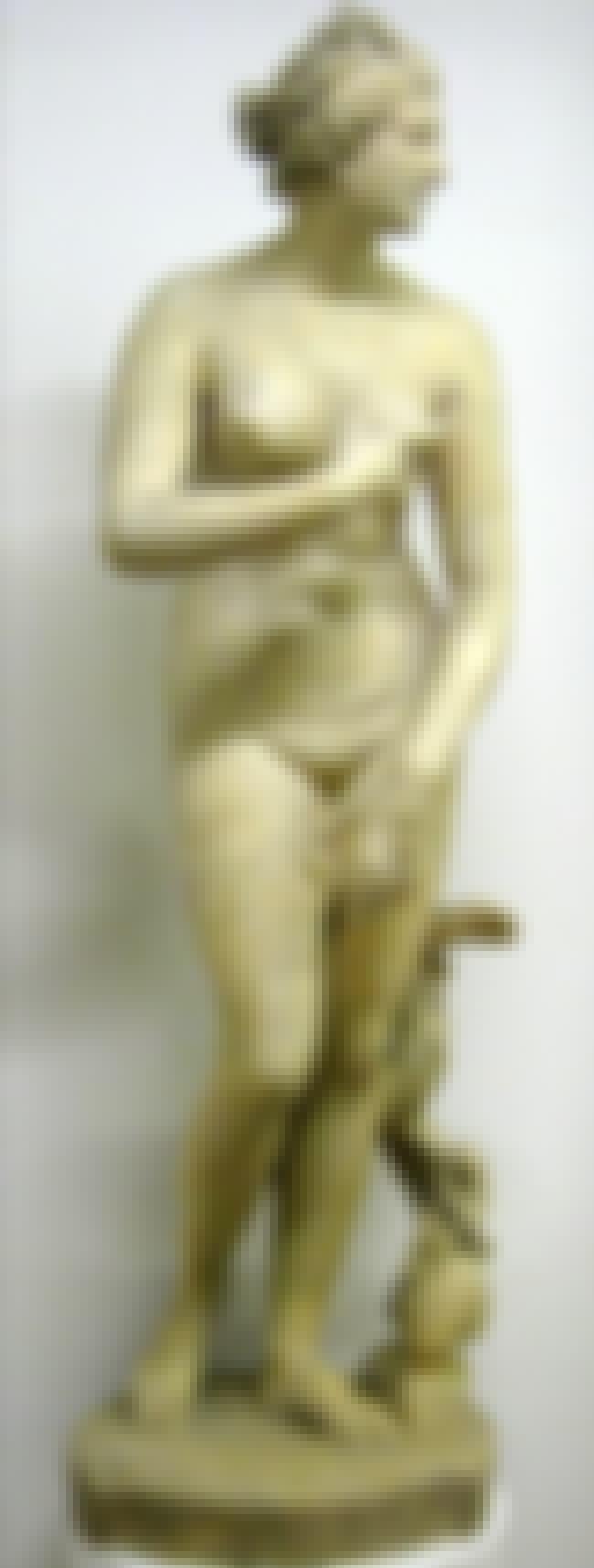 Venus de' Medici is listed (or ranked) 5 on the list Famous Hellenistic Art Sculptures