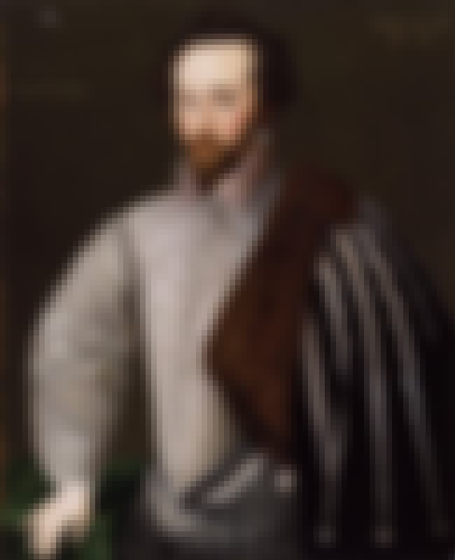 Walter Raleigh is listed (or ranked) 1 on the list List of Famous Courtiers