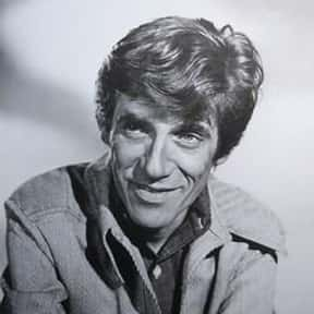 William Hickey is listed (or ranked) 6 on the list Full Cast of Pink Cadillac Actors/Actresses