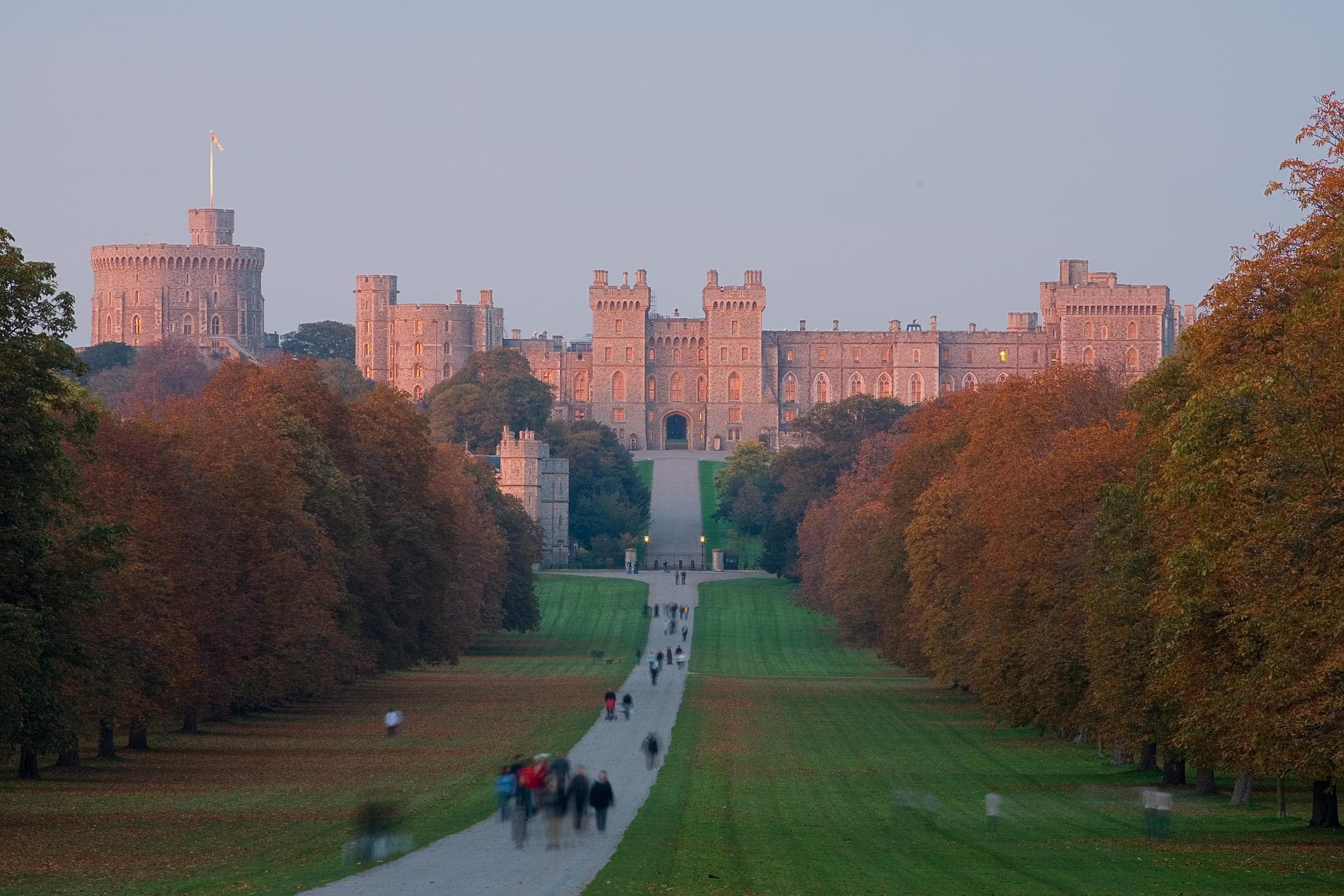 Random Royal Estates That Cost The Outrageous Amounts Of Money