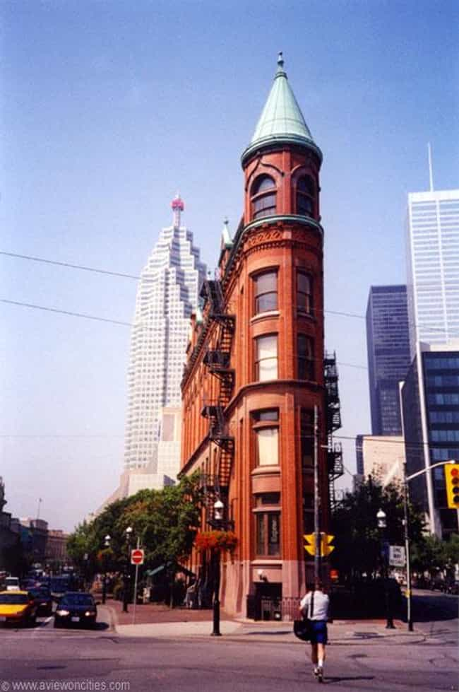 Flatiron Building is listed (or ranked) 4 on the list Famous French Gothic architecture buildings