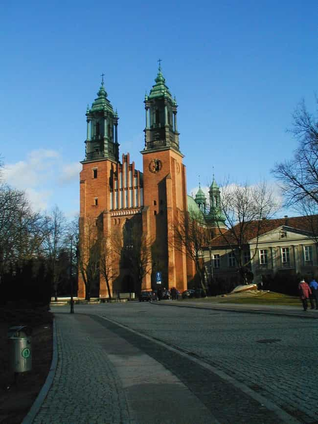 Archicathedral Basilica ... is listed (or ranked) 1 on the list Poland Architecture: Famous Landmarks and Buildings