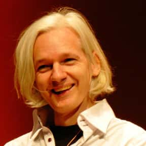 Julian Assange is listed (or ranked) 2 on the list Famous Journalists from Australia