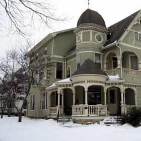 Linsay House