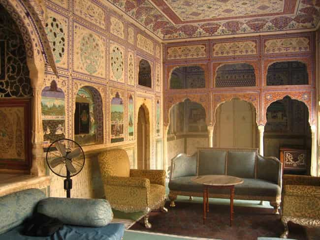 Samode Palace is listed (or ranked) 6 on the list Famous Mughal architecture buildings