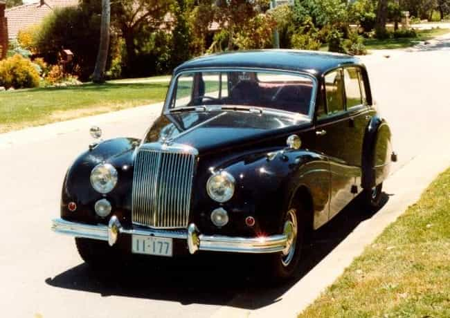 Armstrong Siddeley Sapph... is listed (or ranked) 1 on the list Full List of Armstrong Siddeley Models