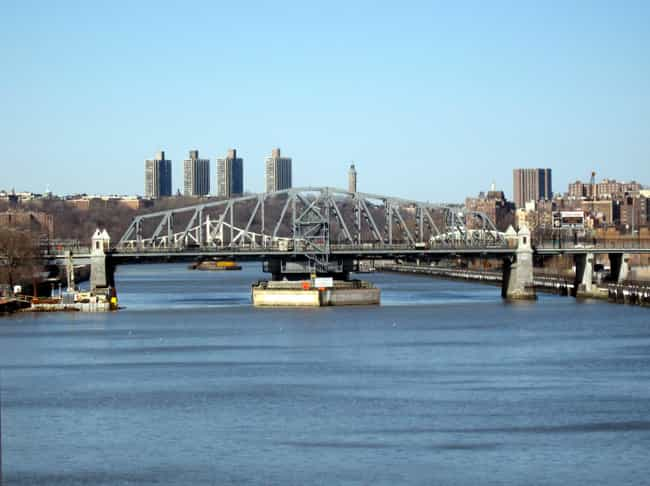 145th Street Bridge is listed (or ranked) 2 on the list Bridges in New York