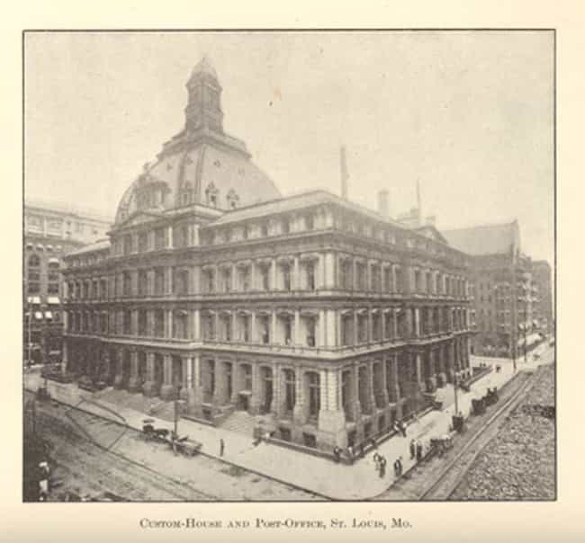 United States Customhouse and ... is listed (or ranked) 2 on the list List of Famous St. Louis Buildings & Structures