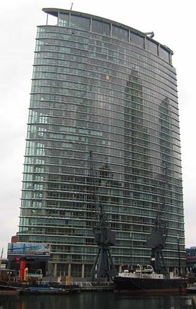 1 West India Quay is listed (or ranked) 3 on the list List of Famous London Buildings & Structures