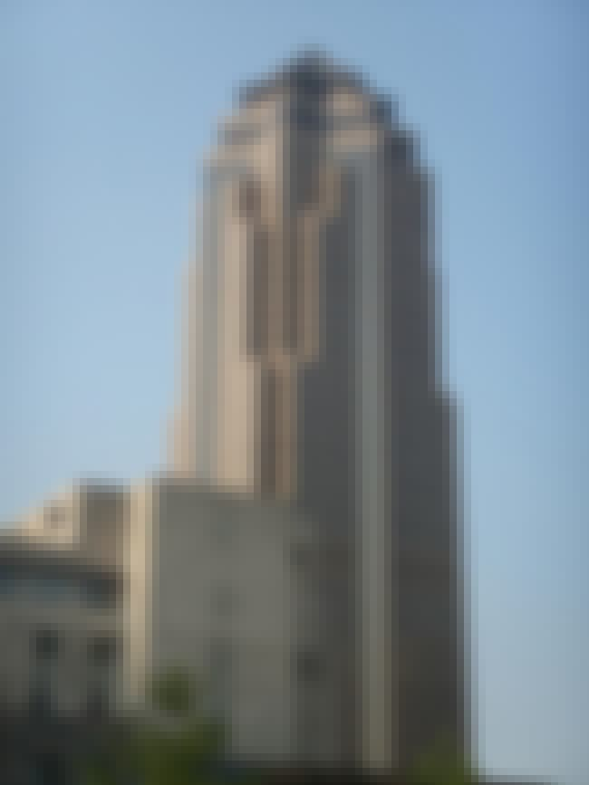 801 Grand is listed (or ranked) 1 on the list List of Famous Des Moines Buildings & Structures