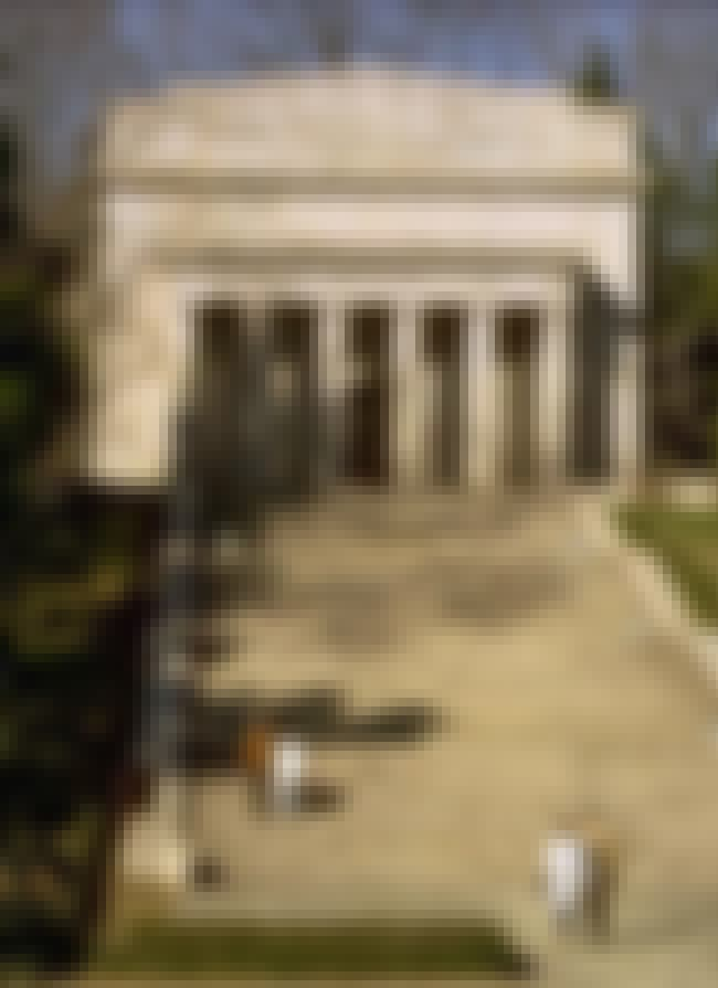 Abraham Lincoln Birthplace Nat... is listed (or ranked) 1 on the list List of John Russell Pope Architecture
