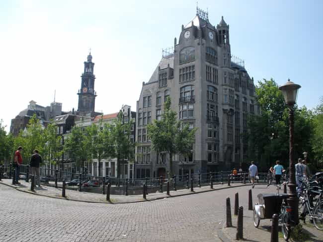Astoria, Amsterdam is listed (or ranked) 4 on the list List of Famous Amsterdam Buildings & Structures