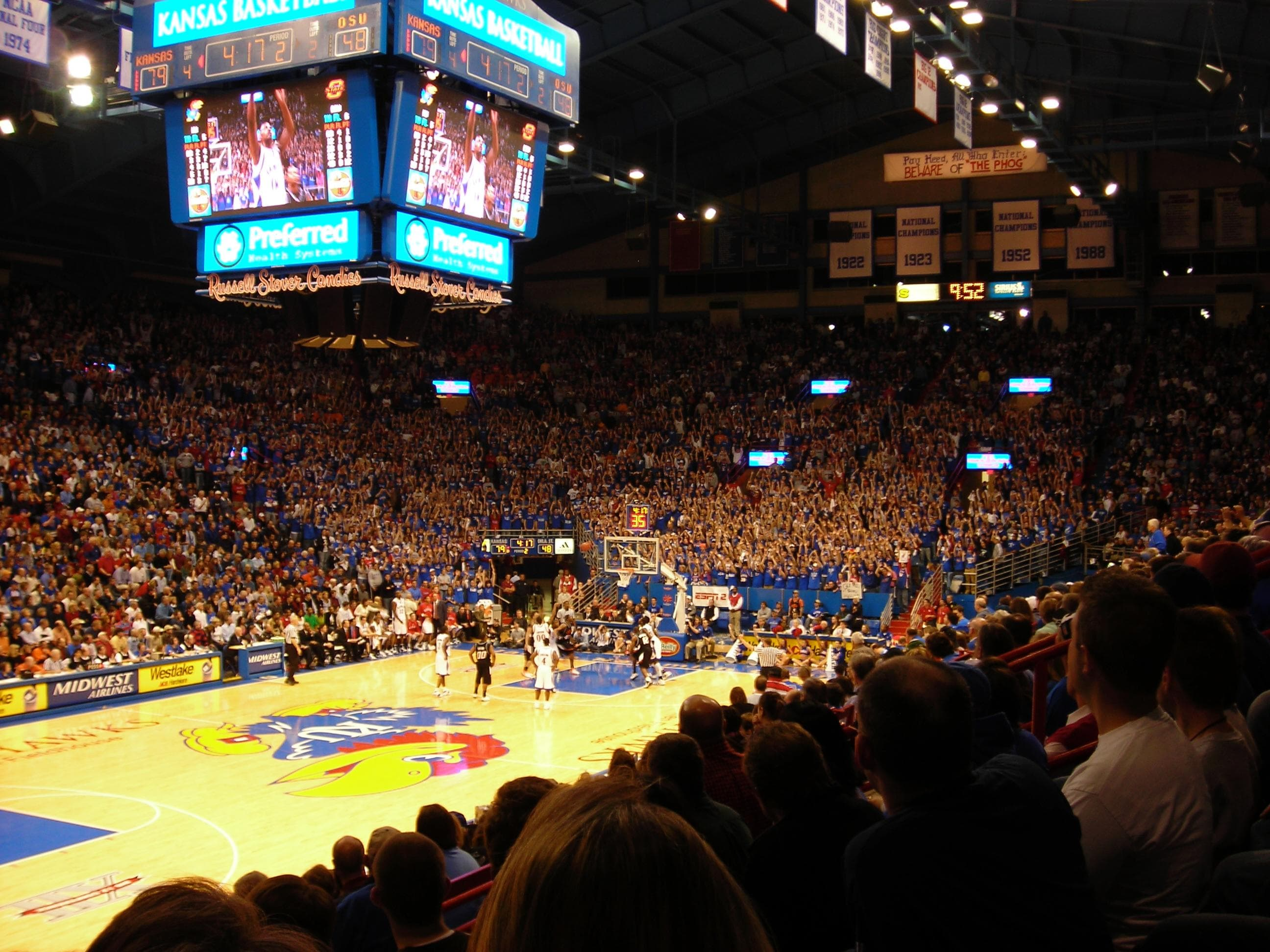 Image of Random Best College Basketball Arenas