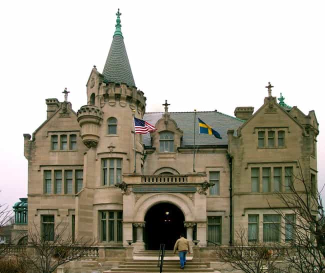American Swedish Institu... is listed (or ranked) 2 on the list List of Famous Minneapolis Buildings & Structures