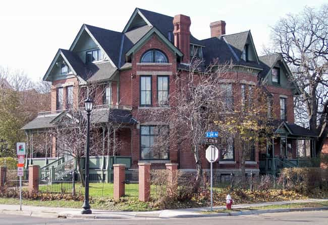 Amos B. Coe House is listed (or ranked) 3 on the list List of Famous Minneapolis Buildings & Structures