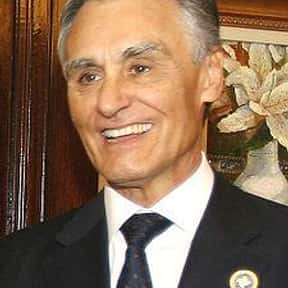 Aníbal Cavaco Silva is listed (or ranked) 4 on the list Famous University Of York Alumni
