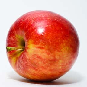 Apple is listed (or ranked) 2 on the list Low Fat foods