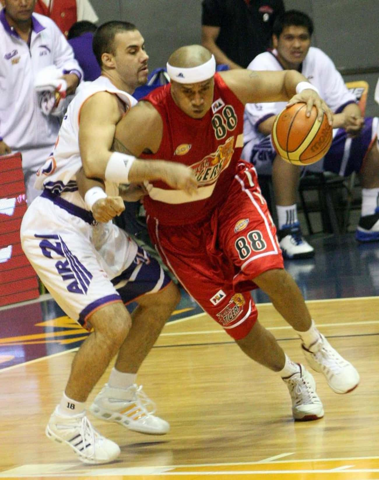 Asi Taulava is listed (or ranked) 2 on the list Famous Male Athletes from Tonga