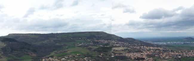 Battle of Gergovia is listed (or ranked) 3 on the list List Of Gallic Wars Battles