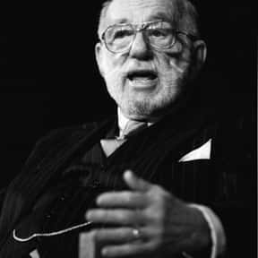 Benjamin Spock is listed (or ranked) 21 on the list Famous Scroll and Key Members