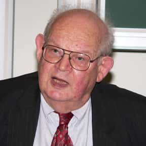 Benoit Mandelbrot is listed (or ranked) 16 on the list Famous California Institute Of Technology Alumni