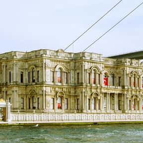 Beylerbeyi Palace is listed (or ranked) 10 on the list Famous Baroque Architecture Buildings