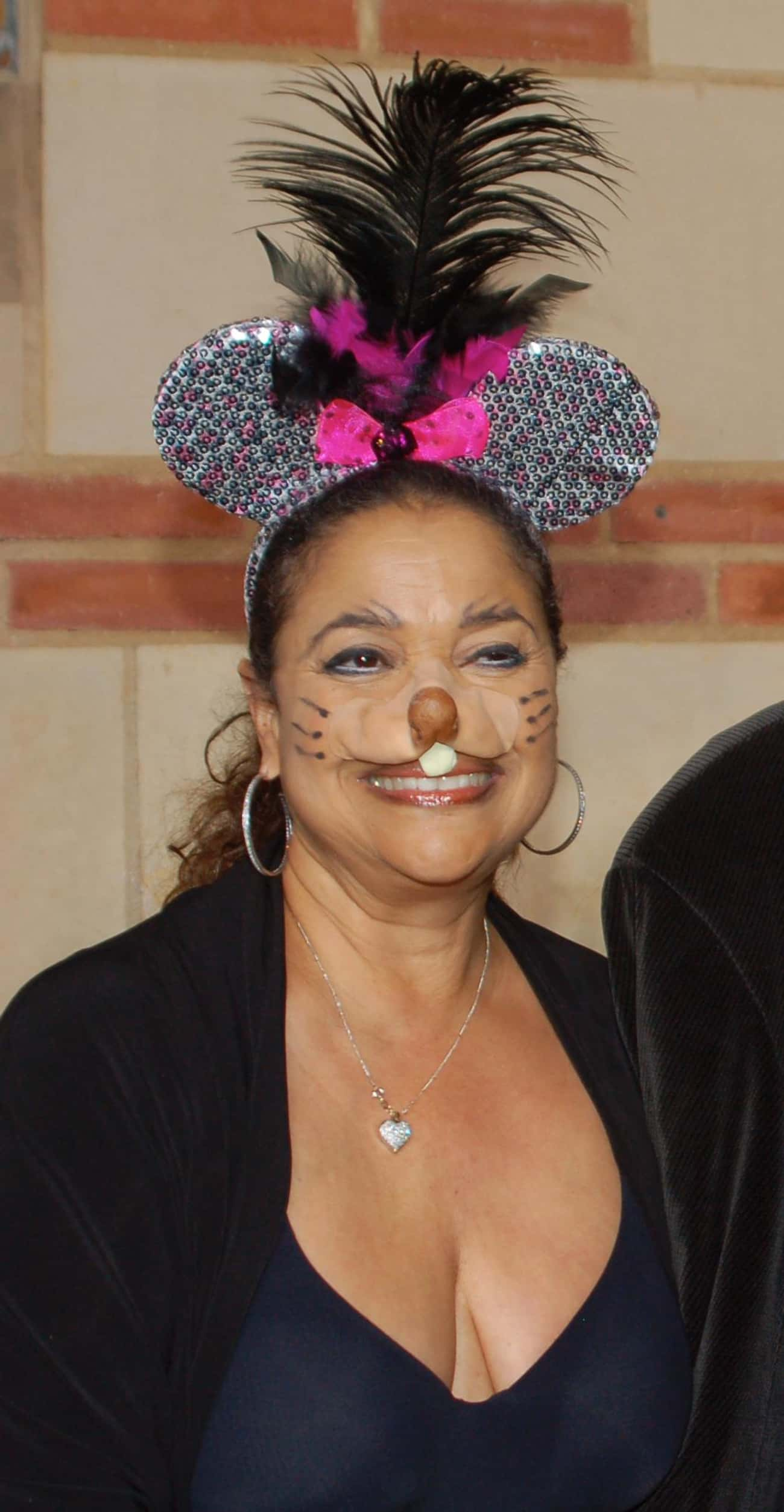 Debbie Allen is listed (or ranked) 4 on the list Queen Latifah Loves and Hookups
